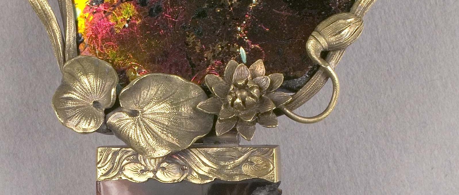 Ornamental Comb detail