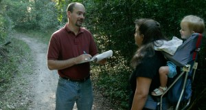 Dr. Taylor Stein examines who hikes the Florida trail and why. Image was taken prior to national guidelines of face coverings and social distancing. UF/IFAS Photo: Thomas Wright.